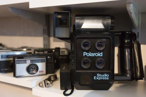 LOKAL FOTOHISTORIE Mange av Harstads innbyggere er blitt tatt bilde av med dette kameraet. Passbildekameraet til To-Foto kom i Josteins eie da butikken ble lagt ned.
